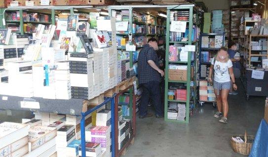 Lagerverkauf für günstige neue Bücher